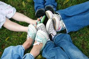 kids_feet_shoes